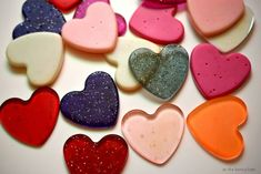 Make easy and fun plastic hearts from Pony Beads! They're a great start to your Valentine's Day crafting projects! Make easy and fun plastic hearts from Pony Beads! They're a great start to your Valentine's Day crafting projects! Melted Bead Crafts, Pony Bead Crafts, Melted Pony Beads, Diy For Kids, Crafts For Kids, Pony Bead Patterns, Melting Beads, Kids Jewelry, Valentine Day Crafts