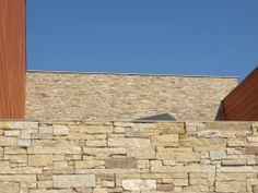 Paneles de piedra natural STONEPANEL® SILVESTRE para el revestimiento de paredes | #STONEPANEL #paneles #piedra #revestimiento #paredes #exterior #arquitectura