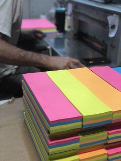 300 p/áginas Notas adhesivas bloc de notas peque/ño 4 colores notas autoadhesivas para el c/ódigo de clasificaci/ón de oficina