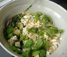 zucchini-feta-salaatti
