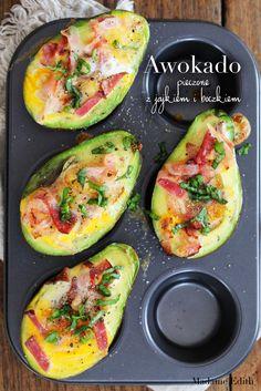awokado z jajkiem Avocado Egg, Zucchini, Eggs, Favorite Recipes, Vegetables, Breakfast Ideas, Cooking, Guacamole, Desserts