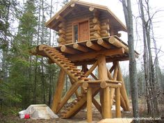 Log Cabin Deer Stand can find Hunting blinds and more on our website. Hunting Stands, Deer Stands, Deer Stand Plans, Lookout Tower, Deer Hunting Blinds, Hunting Cabin, Tiny Cabins, Log Cabin Homes, Cabins In The Woods