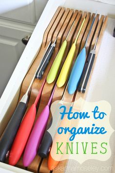How to Organize Kitchen Knives I'm going to show you how to organize kitchen knives, if you don't want them on the counter, with this awesome In-drawer Knife Block I found! - Gray N Black Organize Kitchen Kitchen Drawer Organization, Organization Hacks, Kitchen Storage, Kitchen Pantry, New Kitchen, Organized Kitchen, Kitchen Cabinets, Narrow Kitchen, Kitchen Dining