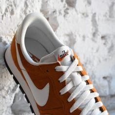 827922-202_amorshoes-nike-sportswear-air-pegasus-83-ltr-