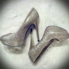 """**Host Pick**Charlotte Russe Gold/Champagne Heels Charlotte Russe gold/champagne glitter heels. So lovely! Heels approx 4.5-5"""", platform approx 1.5"""". Worn once. Very slight wear showing (see 4th photo for example). Feel free to ask for additional photos.  No modeling!  Price firm unless bundled...NO OFFERS!! Charlotte Russe Shoes Heels"""