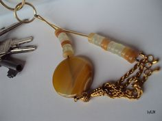 keychain / bag charm  agate and quartz https://www.facebook.com/byKJM https://www.etsy.com/shop/byKJM