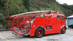 Vintage Aberdare fire engine (used these in action many times).