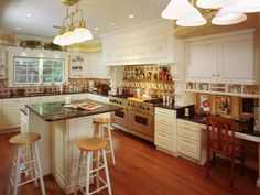 Great tips for organizing the kitchen. Could not agree more with what they say about plastic containers and the fridge.