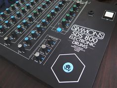 MATRIXSYNTH: Simmons SDS-800 Vintage Analog Drum Synth