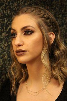 """Carol Moreira em um dia de beleza especial com Heitor Hilton e Rosana Nunes, inspirado no penteado de personagem da série """"Game of Thrones""""."""
