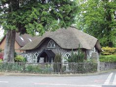 Thatched roof cottage in Bristol, England