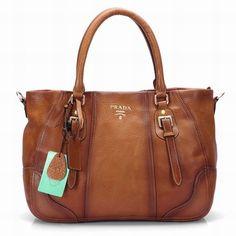 Oh I love this Prada bag!!!!