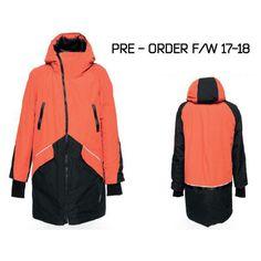 Зимняя куртка-парка Koen в новом сезоне в новом цвете📙  🔥PRE-ORDER - первые десять желающих, отметившихся в комментариях получат скидку 10%*🔥   для погоды от 0° до -25: легкая, как перышко плотная износостойкая ткань митенки в рукавах 2 накладных объемных кармана, 2 нагрудных, 1 внутренний и 1 секретный 2 лямки внутри - одним движением парка скидывается за спину и носится как рюкзак светоотражающие детали молнии YKK  *условия получения - отправим в директ  #select #whitecrowrussia…