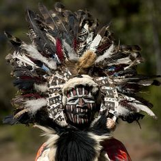 Kikuyu warrior with a huge feathered headdress - Kenya by Eric Lafforgue All About Africa, Out Of Africa, East Africa, Arte Tribal, Tribal Art, We Are The World, People Around The World, Kenya, Tanzania
