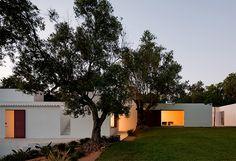 Guardian suosittelee - Villa Agosto / Modern Vacation Rentals Portugal | boutique-homes.com