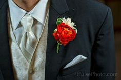 The History of the Boutonniere. Boutonnières, those little bunches of posies pinned to the lapels of the wedding party guys, may seem like an afterthought, an attempt to br...