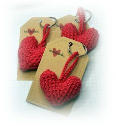 plushy heart keyrings made using tara murray's pattern http://easymakesmehappy.blogspot.co.uk