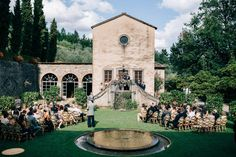 Gorgeous garden wedding ceremony space | Image by Stefano Santucci