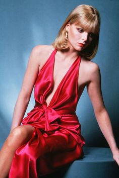 """Here's another stunning scan of highly talented and beautiful actress Michelle Pfeiffer - as Elvira Hancock from """"Scarface"""". Elvira Hancock, Denise Richards, Kim Basinger, Diane Kruger, Michelle Pfeiffer Scarface, Most Beautiful Women, Beautiful People, Estilo Glamour, Brittany Murphy"""