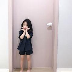 Cute Kids, Cute Babies, Korean Fashion, Kids Fashion, Ulzzang Kids, Nayeon, Taekook, Kids Girls, Children