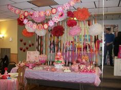 We could make a bunting banner like this too! Also, the mix of pink and red is cute! #elmo #party