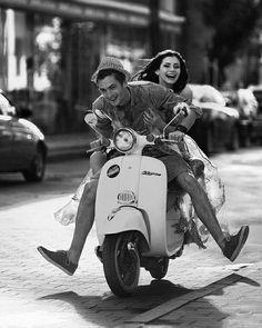 Algunos no entienden que ser pareja no se trata de posesión sino de convertirse en los mejores amigos el resto de la vida y seguir siendo extraños que se conquistan cada día como su juego favorito. -Kapone