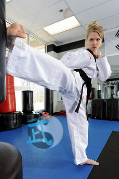 Taekwondo Girl, Karate Girl, Female Martial Artists, Martial Arts Women, Female Fighter, Tough Girl, Krav Maga, Judo, Sport Girl