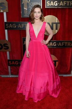 See all of the best red carpet arrivals from last night's 2016 SAG Awards: Emilia Clarke