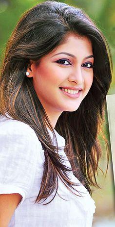 Sarika to make comeback on TV screen