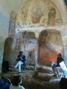 Achille Chillà in occasione della presentazione del suo libro: 'Monopoli guida turistica-culturale' dialoga con Roberto Rotondo, ricercatore Uniba e archeologo della ARS arl