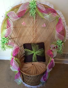 Baby shower wicker chair rental Shower Party, Baby Shower Parties, Bridal Shower, Baby Showers, Laurel Flower, Baby Slide, Baby Shower Chair, Wicker Bedroom, Baby Shower Flowers