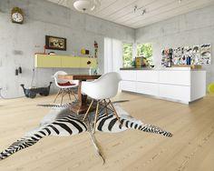 LARCH Wide-Plank brushed, lye treated, white oil I Kitchen I natural wood floors I mafi.com