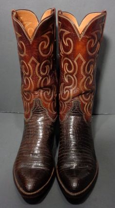 LUCCHESE BROWN LIZARD COWBOY WESTERN BOOTS MEN'S SIZE 9.5 Price: $169.99 #cowboy #fashion At Eagle Ages we love cowboy boots.  You can find a great choice of second hands & vintage cowboy boots in our store. https://eagleages.com/shoes/boots/men-boots/cowboy-boots.html