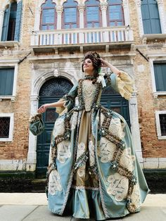 Historical Costume, Historical Dress, Renaissance Hairstyles, Rococo Dress, Old School Fashion, Mask Dance, Cool Masks, Period Costumes, Stunning Dresses