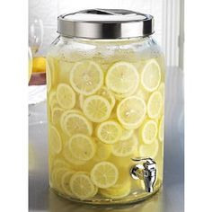 I like all these lemons in the water, that would be so refreshing at the wedding @Keri Whaitiri Werlinich... you should definitely do these mason jar dispenser things.... :D