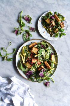 Vegan Vietnamese salt and pepper tofu salad with kinda nuoc mam and mango - Georgeats Mango Recipes, Salad Recipes, Vegetarian Recipes, Healthy Recipes, Tofu Recipes, Healthy Food, Tofu Salad, Vegan Dishes, Vegan Food