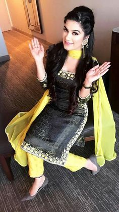 HappyShappy - India's Own Social Commerce Platform Pakistani Dresses, Indian Dresses, Indian Outfits, Embroidery Suits Punjabi, Embroidery Suits Design, Punjabi Fashion, Indian Fashion, Kaur B Suits, Salwar Suits Party Wear