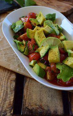 Avocado Tomaten Salat Guacamole, Cobb Salad, Grilling, Dressing, Snacks, Cooking, Ethnic Recipes, Food, Raw Recipes