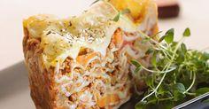 Hjemmelavet lasagne med masser af grønt i kødsaucen.