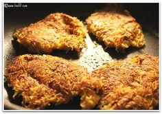 Søte rosti av søtpotet & pasternakk. 1 stk (40 g) = 35 kcal, 6 g karbo.