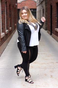 plus size lace up leggings, khloe kardashian lace up leggings, criss cross leggings, plus size fashion, plus size fashion blogger, natalie craig, natalie in the city, fashion, chicago blogger, midwest blogger, forever 21 plus