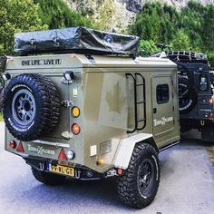 "Great looking, rugged ""tear drop"" camper Camper Box, Vw T4 Camper, Small Camper Trailers, Teardrop Camper Trailer, Off Road Camper Trailer, Small Trailer, Mini Camper, Camper Caravan, Camping Trailers"