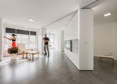*가변식 벽체를 이용, 공간을 자유자재로 변신시키다 PKMN installs rotating wall unit as part of little big houses initiative :: 5osA: [오사]