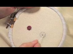 Les petites leçons de Marie Suarez - Le point araignée en broderie - Edisaxe
