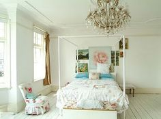 That's my bed! I Need to do this to my room now!
