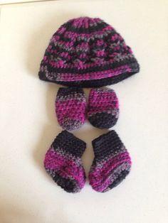 Baby hat, booties, mitten set
