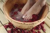 Bain de pieds : nos recettes maison pour de beaux petons !