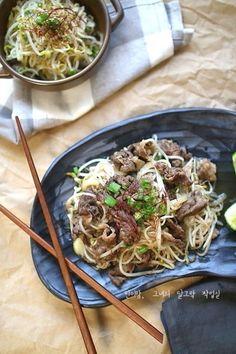 박나래 차돌박이 숙주볶음 레시피 따라잡기 : 네이버 블로그 Korean Food, Kimchi, Japchae, Main Dishes, Spaghetti, Pasta, Cooking, Ethnic Recipes, Noodle