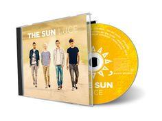 THE SUN. Luce CD: cover, booklet.  Fotografia: Marianna Santoni, Andrea Badoni Art Direction: Alberto Zanotto Graphic Design: Gaspare Grammatico per SONY Music