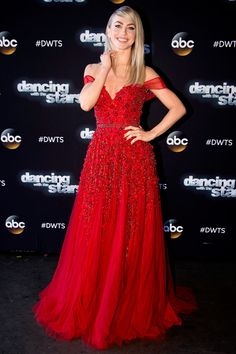 For the final night of the season, Dancing With The Stars judge Julianne Hough smoldered in a red embellished Jovani dress with an off-the shoulder silhouette. A sweetheart neckline injected just the right amount of va-va voom. Ruby accessories by Beladora jewelry completed her look.
